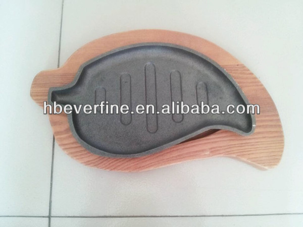 Cast Iron Sizzler Plate With Wooden Base/Cookware