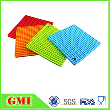 Guangdong Hot sale silicone rubber table mat with high quality