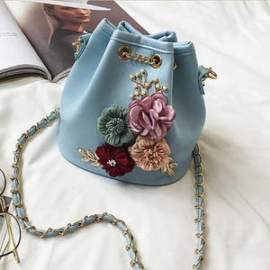 2018 fashion women pu sweet flower messenger bags cheap versatile ladies drawstring bags students bucket bags wholesale Alibaba