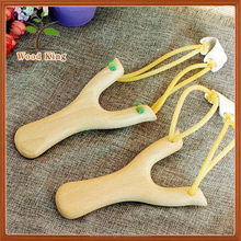Hot Sales Hot Style Products White Beech Toy Chinese Human Rubber Band Powerful Hunting Pocket Wooden Slingshot