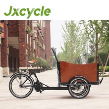 Chargement frontal cargo tricycle