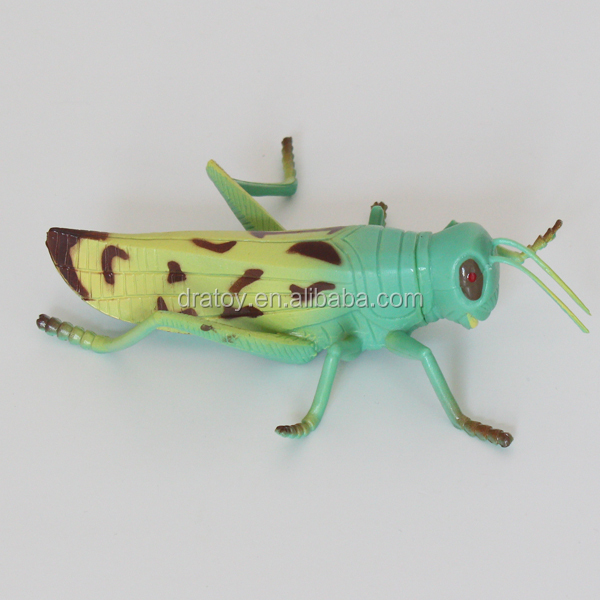 OEM eco-friendly simulation plastic Grasshopper toys for kids