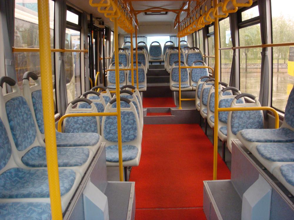 11m new design diesel engine yutong city bus low floor for sale