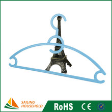 Free sample laundry wire hanger, standard plastic coat hanger, hotel roman clothes rack