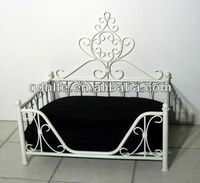 Elegant design furniture wrought iron bed for pets
