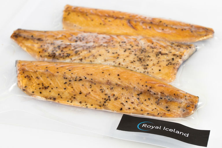 Smoked Mackerel with pepper vacuum pack