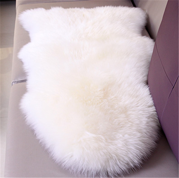 Wholesale 100*60 size natural shape skin white wool fur carpet wool blanket bed woolly luxury household style wool blanket