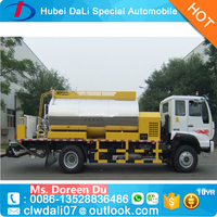 Sinotruk 4x2 8 ton to 13 ton bitumen spraying truck for sale