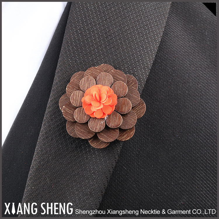 China Factory Wooden Lapel Pin