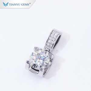 Tianyu gems jewelry 925 sterling silver gold plated 1 carat moissanite diamond gemstone fashion pendant