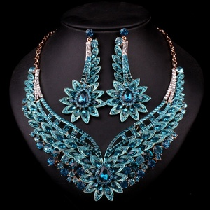 Luxury Wedding Jewelry Set Gorgeous Rhinestone Colorful Gold Plated Heart Flower shaped African Statement Necklace Earring Set