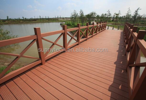 Waterproof ANTI-UV Outdoor Wood Plastic Fencing, Rot Proof Garden Cheap Lattice Fence.Railing