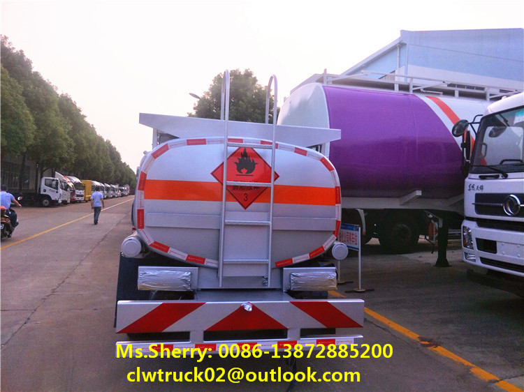 Factory wholesale price Dongfeng 4*2 RHD 5000 liters oil tanker truck