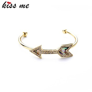 Wholesale Fashion Jewelry Accessories Abalone Resin Arrow Bracelet Cuff
