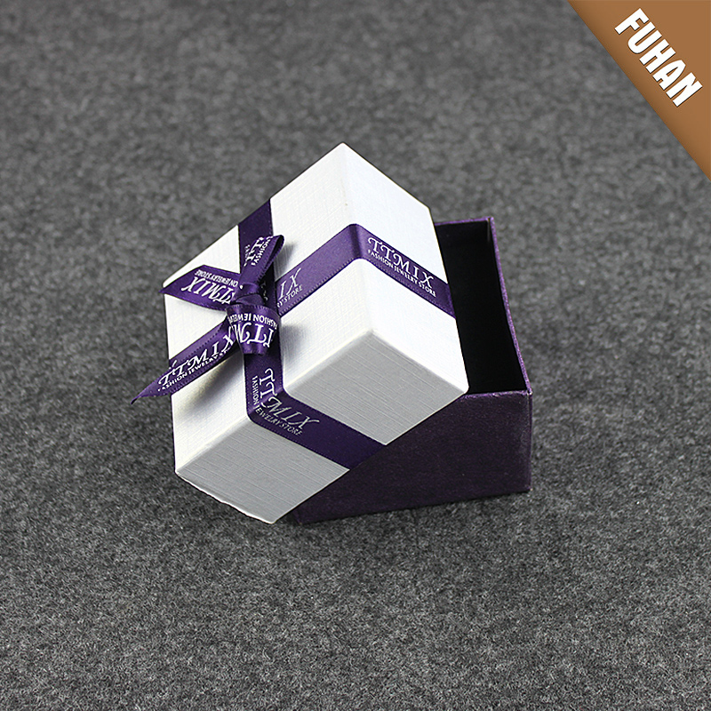 China Cheap Packaging Box /Paper Packaging Box with Ribbon