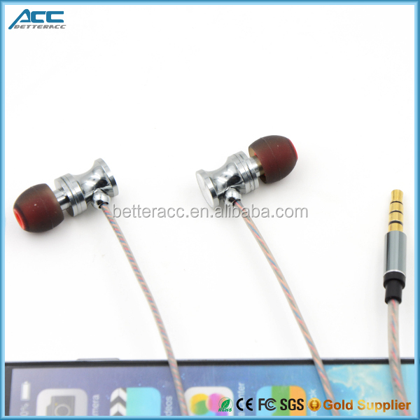 Low price Metal Stereo in ear Earphone Wired Headphone with Mic