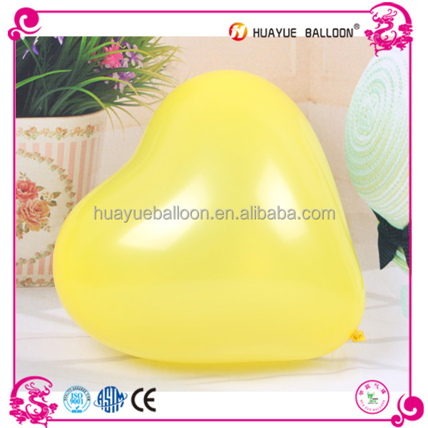Heart shaped inflatable latex balloons for wedding decoration