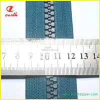 fectory direct sales eco-friendly 10 quality plastic grey tape long chain zipper