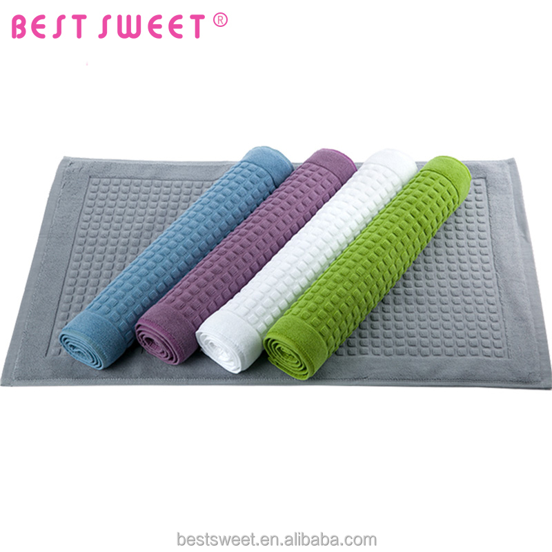 Anti-slip Corrosion-Resistant 100% cotton bedroom green white square woven floor mat