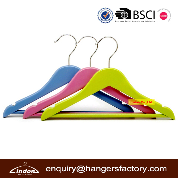 Fine Quality Colored Wooden Children Hangers