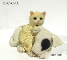 polyresin sensor motion cat and dog figurine for home decoration