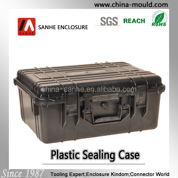 plastic equipment case with handle