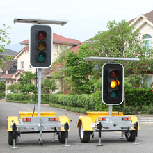 "European Market Energy Saving Customized Warning Flashing LED Full Screen 12"" Solar 4 Way Traffic Light Signal Structures"