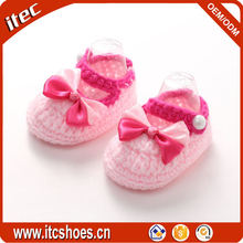 Hotsale ribbon bow strap latest wholesale hand knit baby shoes