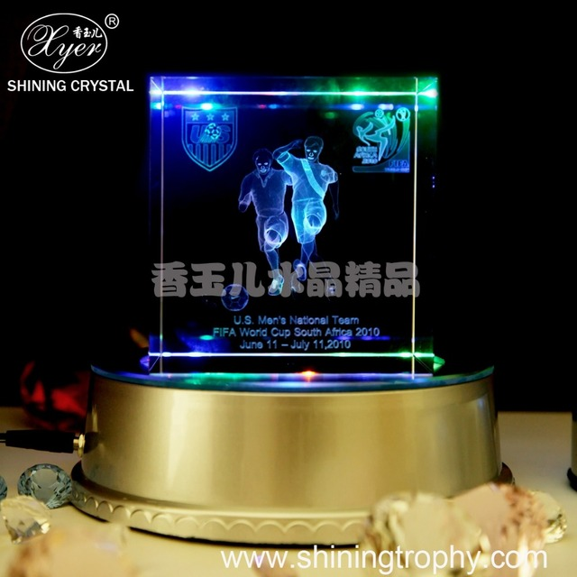 2017 Customizable Sports game player 3D Laser Crystal Cube Wholesale for souvenir