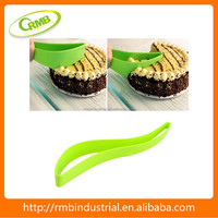 hot sale plastic and stainless steel cake cutter and server cheap