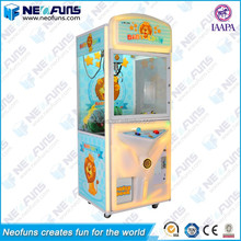China Manufacturer Baby Lion LED Lighting Claw Toys Arcade Games