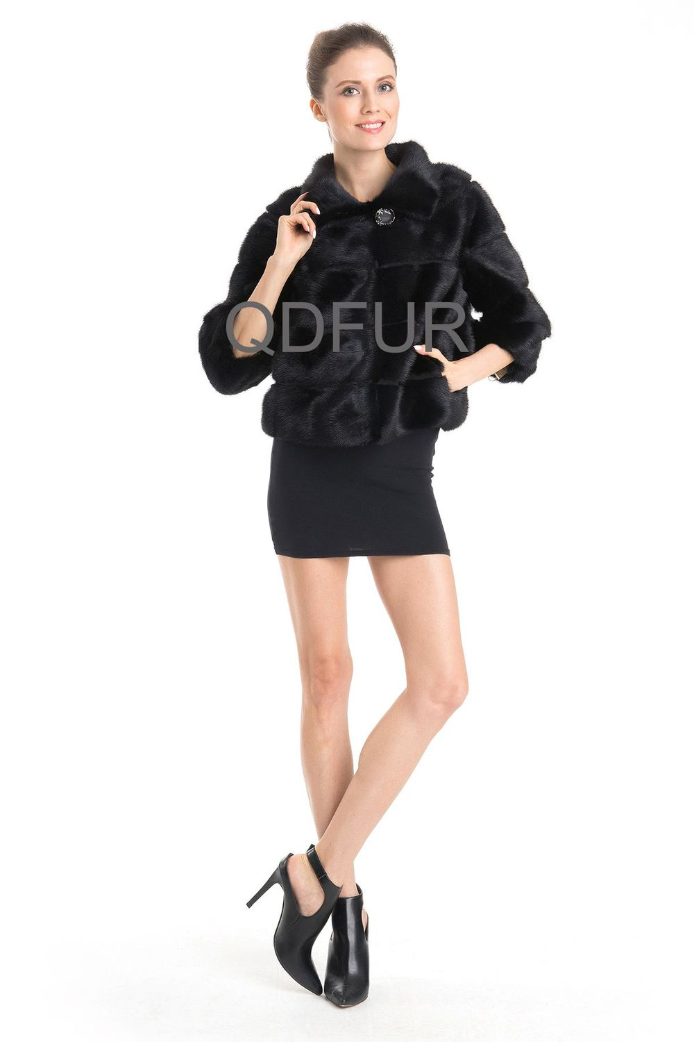 QD70748 Lady Winter Short Genuine Natural Chinese Mink Jacket with 3/4 Sleeves