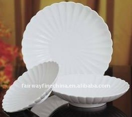 Cheap Embossed Porcelain Ceramic Footed Round Dish