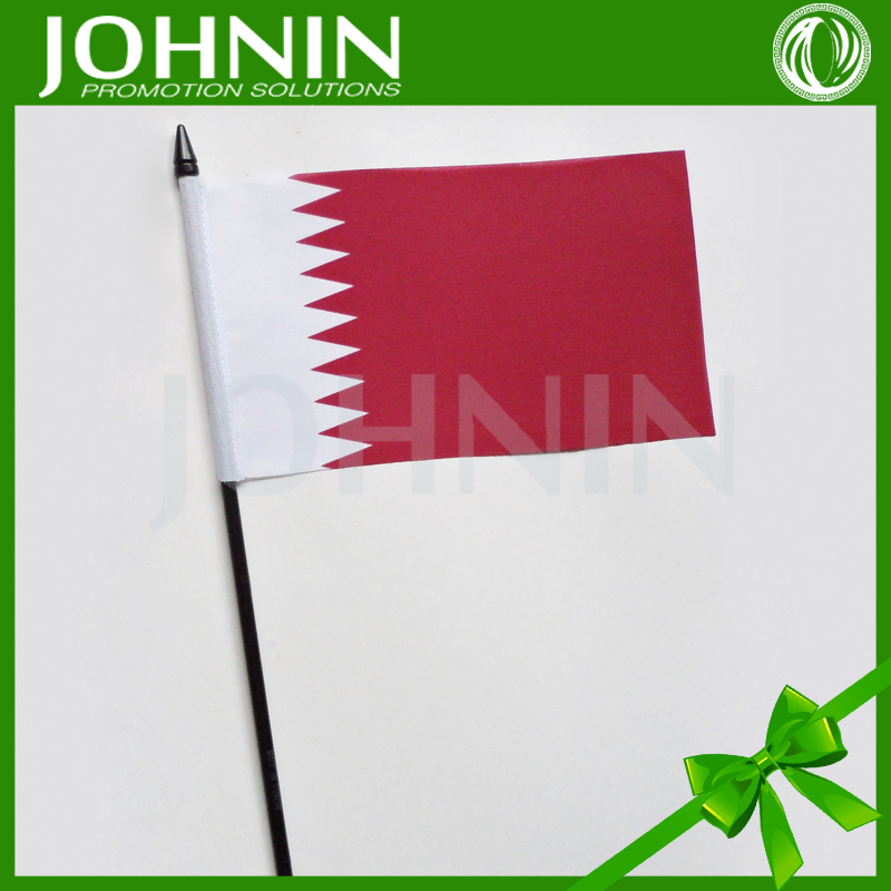 celebration Qatar national Day use plastic stick polyester fabric Qatar hand flag