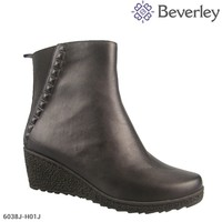 Latest Design Wedge Sole Women Sexy Flat Winter Boots
