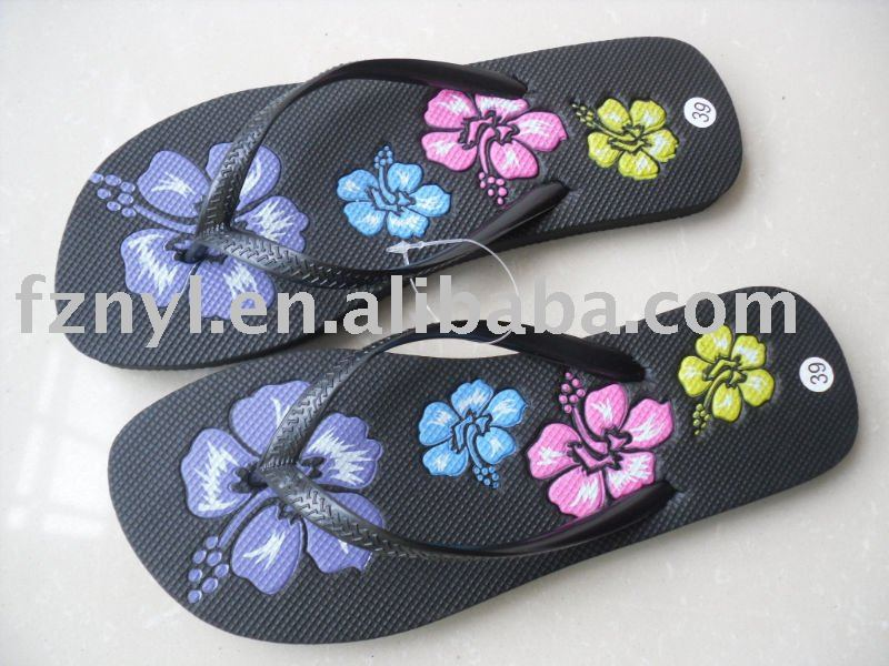 new design cheap pe slipper