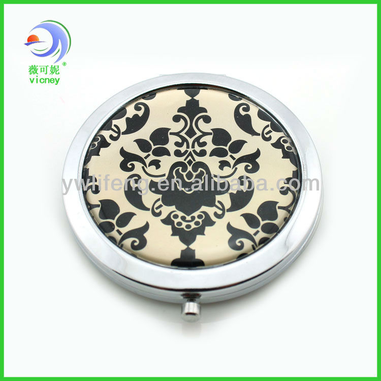 Hot selling top quality round foldable doubt side promotional compact pocket mirror
