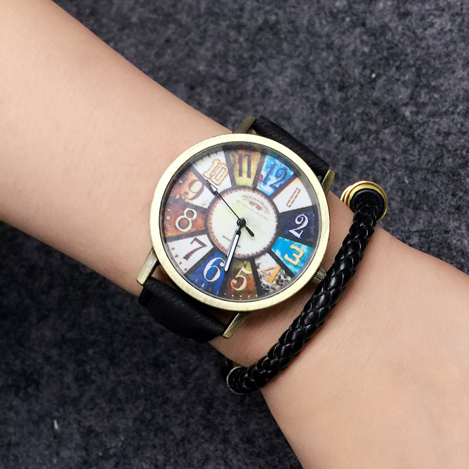 Quartz Analog Unisex Watch / Designer Watches for Women & Men/ Gift Idea Watch