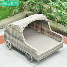 Steel Dog Life Wicker Car Shaped Dog Bed With 4 Wheels and Cushion