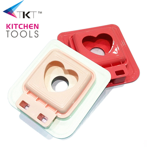 Amazon hot sale plastic heart shape sandwich cutter slicer mould cake slicer