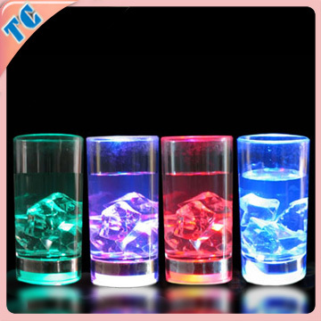 2015 Custom popular led flashing yard cup