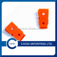 Customized Color One Hole High Quality Plastic Small Size Clips with Steel Spring 5710-2001
