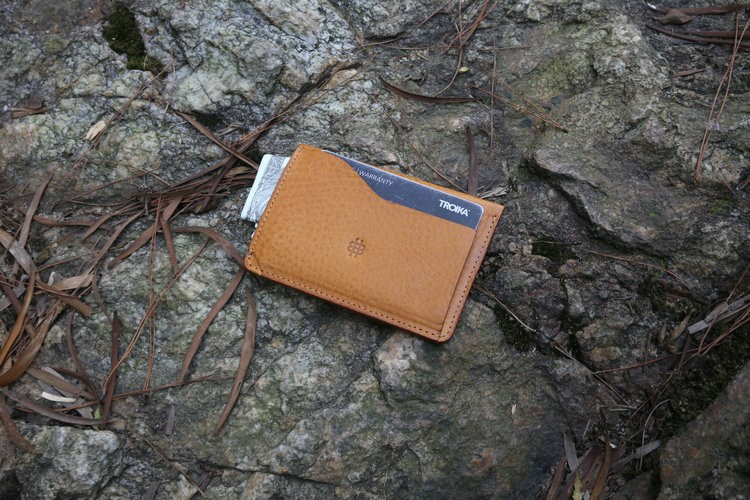 wholesale Hot Style Fashion leather wallet, Full grain vegetable tanned men's wallet leather from Italy