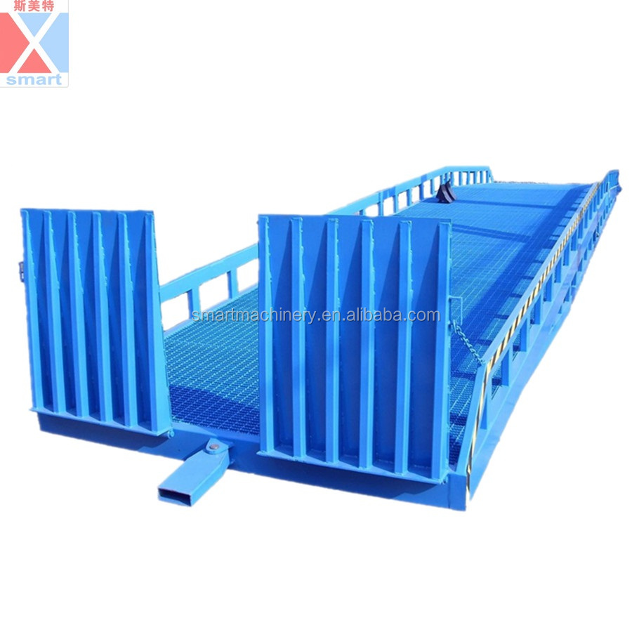 10T With adjustable supporting legs mobile hydraulic loading ramp