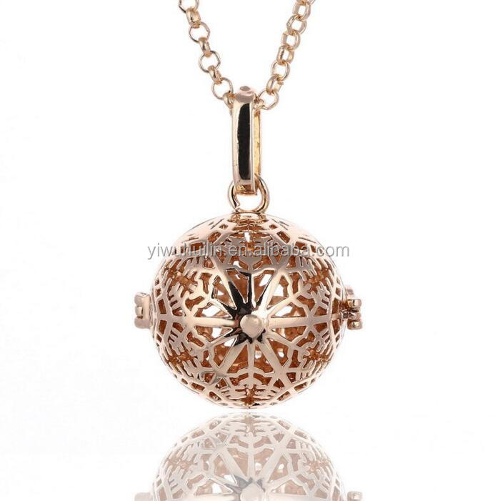HJ035 Yiwu Huilin Jewelry Snowflake cage essential oil diffuser can open Aromatherapy Locket Necklace Jewelry