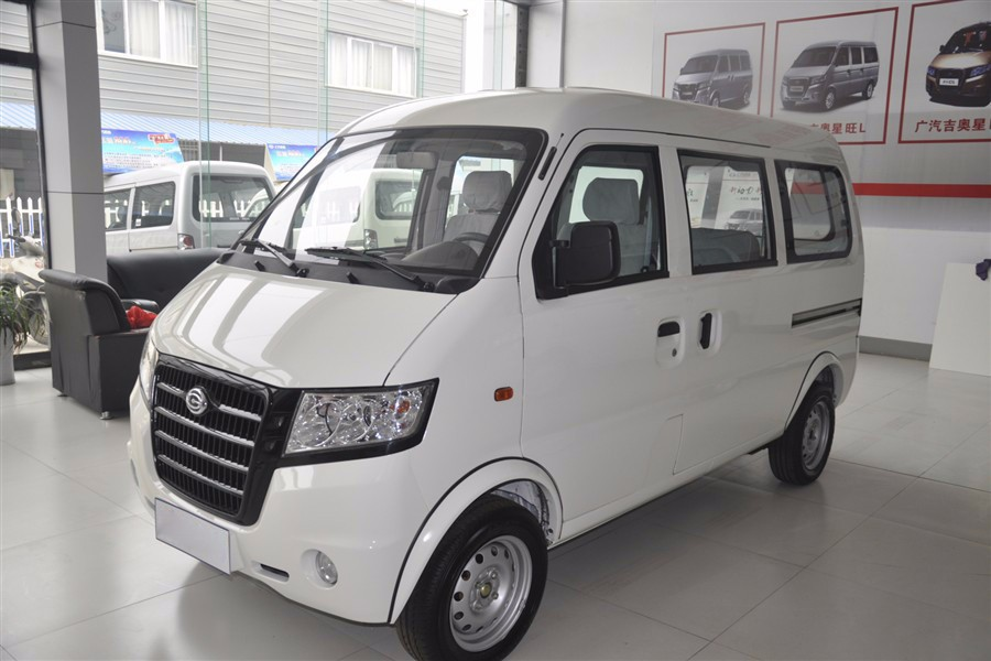 Gonow van Chinese cheap van mini cargo van