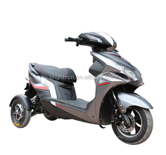 everbright hot sale double motor 3-wheel electric mobility motorcycle/scooter for adult