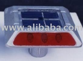 SOLAR STUD FOR ROAD SAFETY