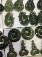 customize 2016 new design nephrite jade stone crafts pendent provide string