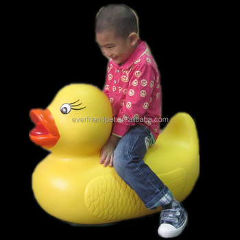 Lovely giant inflatable promotion bath squeaky duck dog toy